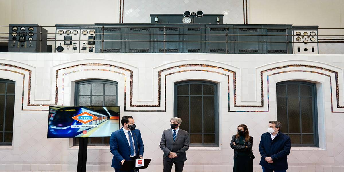 The Vice President, the Minister of Sports and Transparency and the spokesperson for the government of the Regional Community of Madrid, Ignacio Aguado, and the Regional Minister for Transport, Mobility and Infrastructure, Angel Garrido, accompanied by Metro de Madrid's CEO, Sivila Roldán