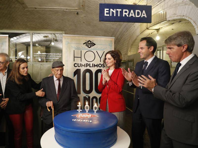 Over 100 years, the network has grown from four kilometres in the capital to 294 kilometres in 12 municipalities and from 50,000 passengers per day to 2.3 million