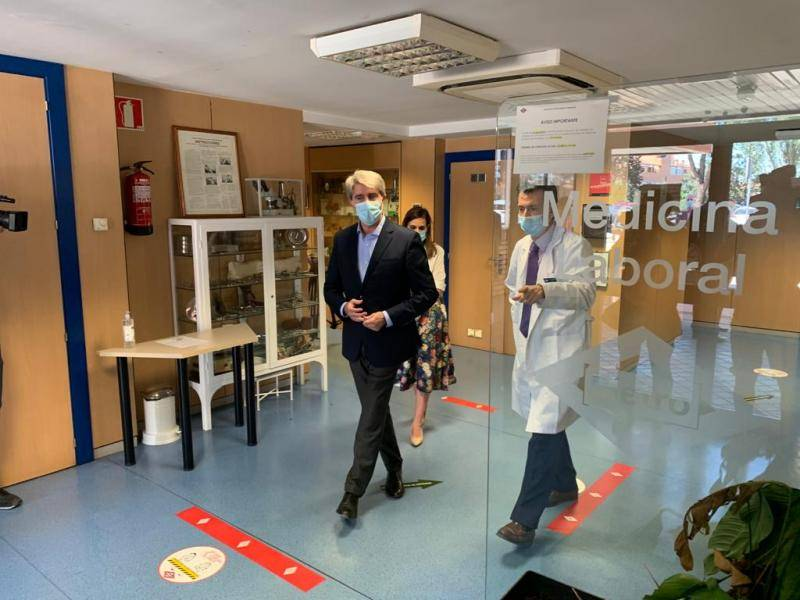 The Minister of Transport visited the Metro clinic where COVID-19 prevention is managed in the underground network