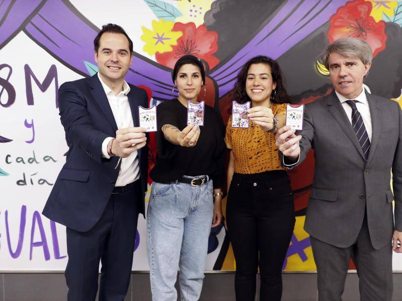 The Vice-President of the Regional Government of Madrid attended Metro's social awareness campaign entitled Metro #muévete, which focuses on equality in March