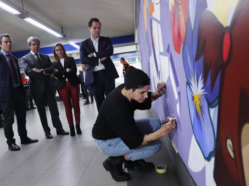 The theme train will run on line 6 and the artwork can be seen in Sainz de Baranda station